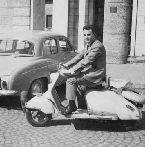 Pino Scotton in Lambretta